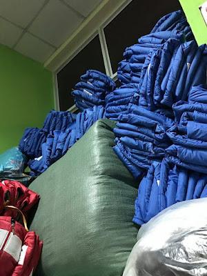 Mấu áo từ thiện màu xanh da trời