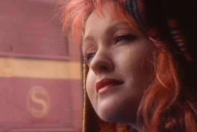 Cyndi Lauper Time After Time video Riassuntone Doc Antro