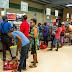 Escasez de agua embotellada y largas filas en Puerto Rico por tormenta Dorian