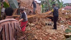 Hujan Deras Robohkan Rumah di Batang, Satu Terluka