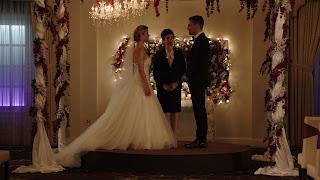primeira imagem/foto do casamento felicity e oliver em Arrow