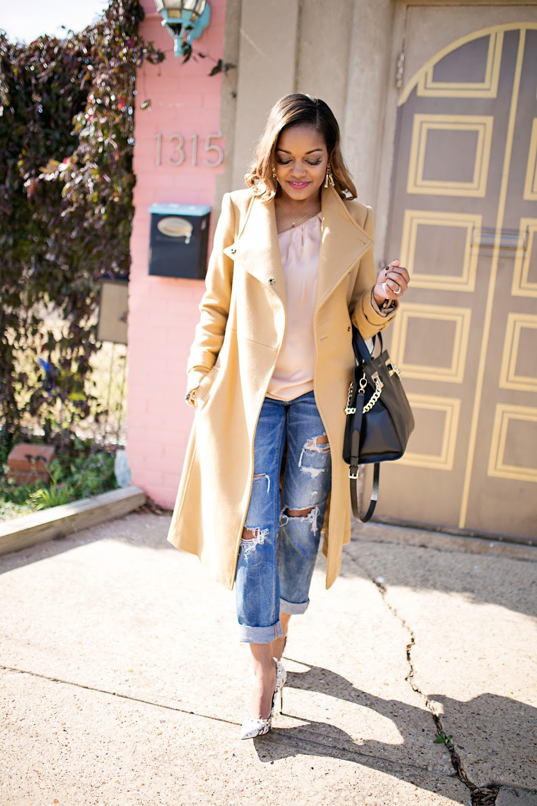 asos women camel coat- american eagle ripped boyfriend jeans- henri bendel handbag- steve madden proto pumps- valentino rockstud dupe- look for less- thred up find- dallas fashion blogger- brown girl blogger- what to wear valentines day