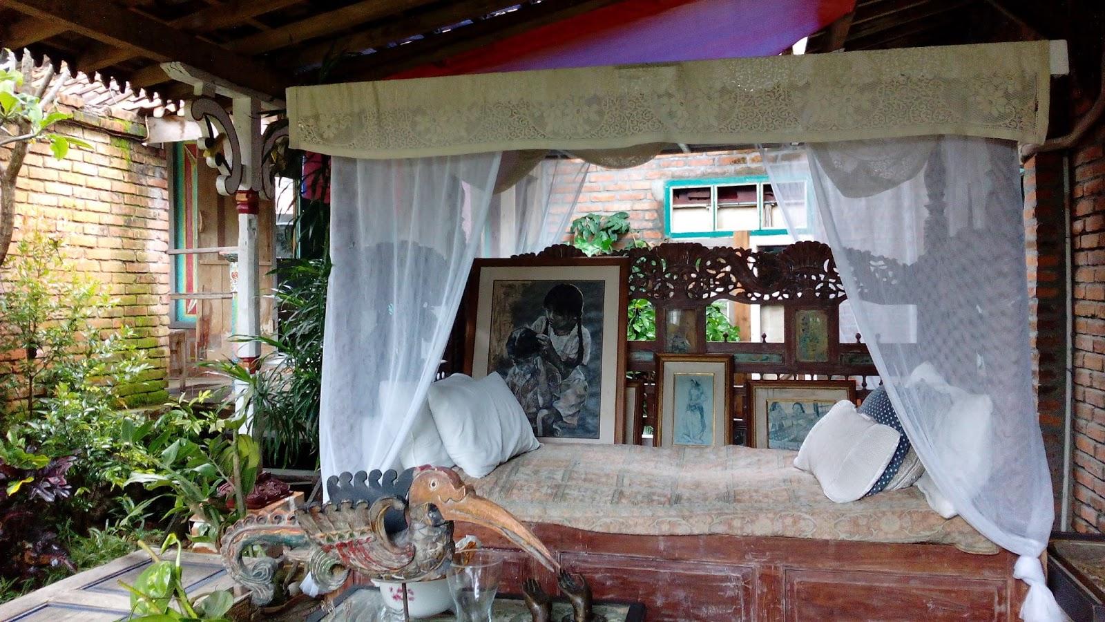 04 01 2018 05 Jelajah Kalimantan House Of Julia Bantal Tidur Asli Gazebo Dan Kursi Malas Yang Lengkap Ama