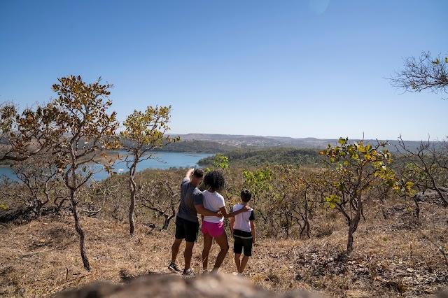 Tour pelo lago Corumbá IV promete paisagens de tirar o fôlego