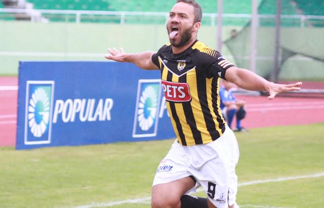Dobletes de Faña y Francois propician goleada de Moca FC a O&M