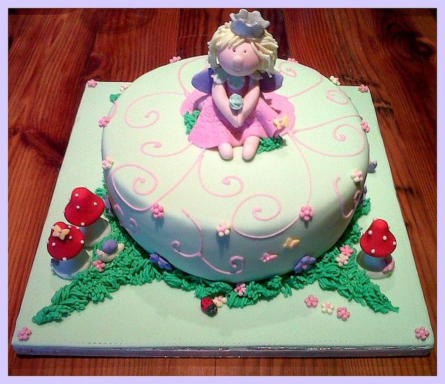 Pretty Green Birthday Cakes