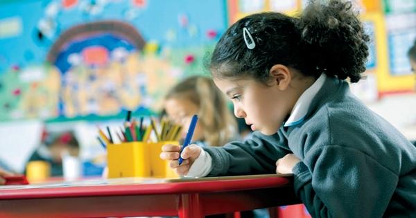 مطلوب مدرسين للعمل في مدارس حكومية وخاصة بالامارات جميع الجنسيات