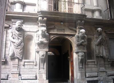 Facciata Casa Omenoni Milano