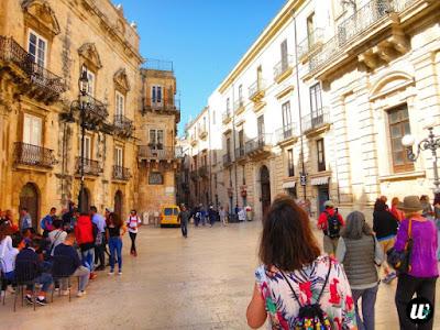 Ortigia square, Siracusa | Sicily, Italy | wayamaya