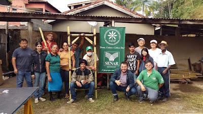 Produtores de Sete Barras participam de montagem de estandes para I Feira do Produtor