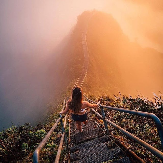 """Haiku Staircase - """"steps to Heaven"""" is welcomed by many tourists in Hawaii, USA"""