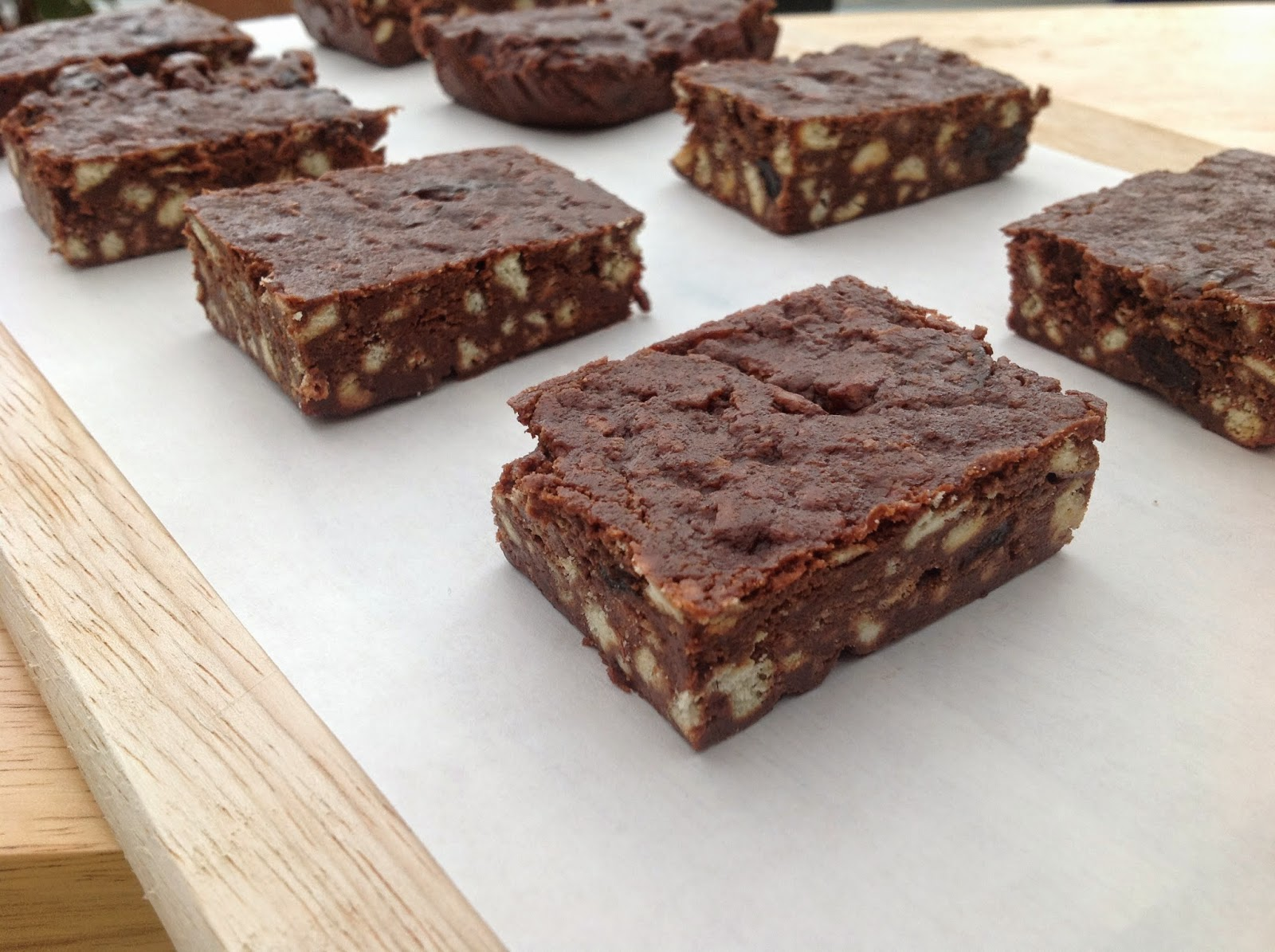 This Muslim Girl Bakes Chocolate Biscuit Fridge Bars