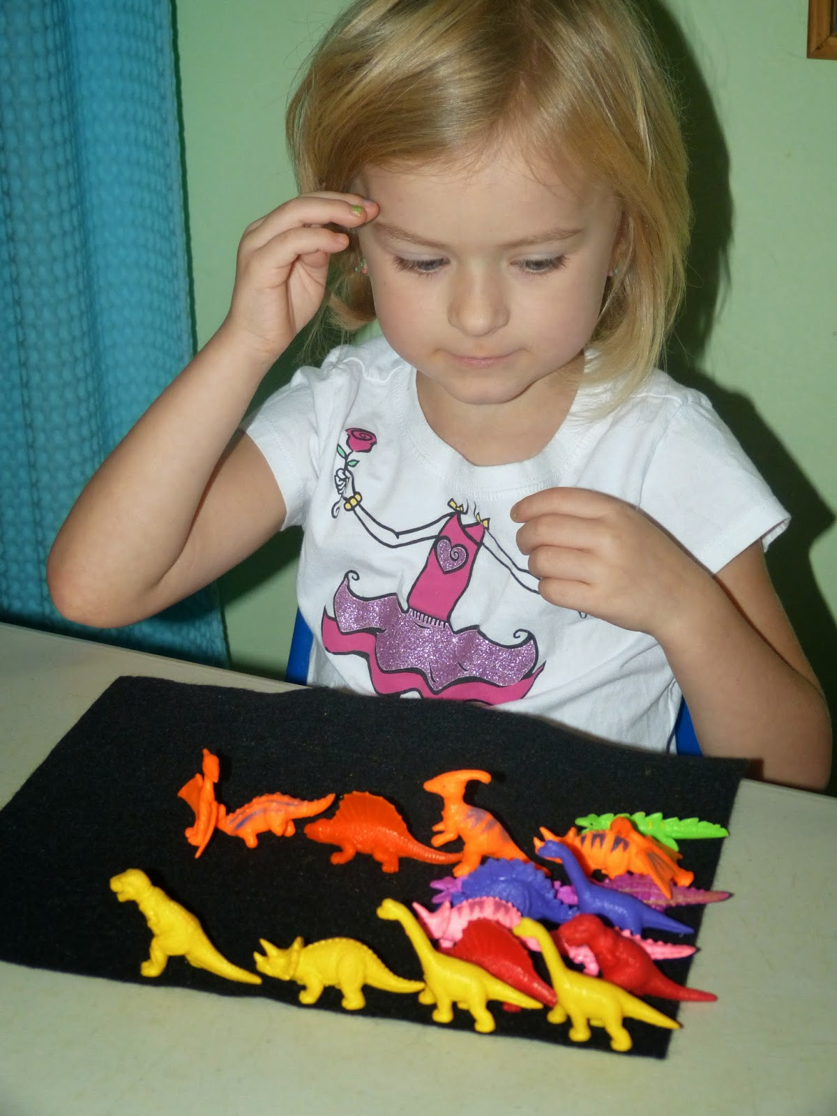 Dinosaurs and dots: activities for learning the letter Dd in preschool or kindergarten.