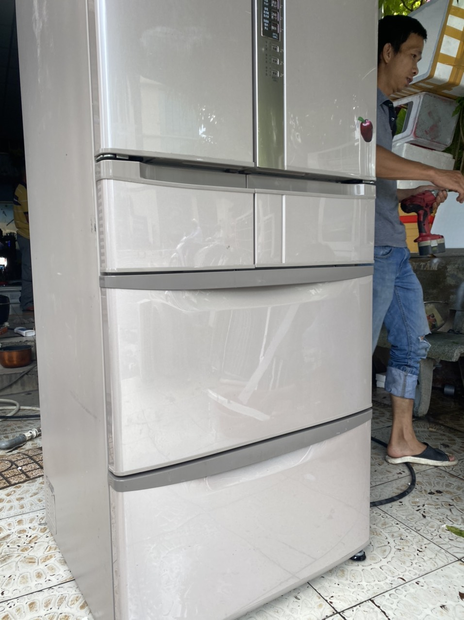 tủ lạnh nội địa hitachị hút chân không