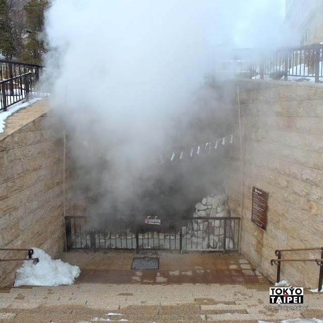 【泉源公園】每3小時噴發溫泉 還有祈求各種願望的9金棒