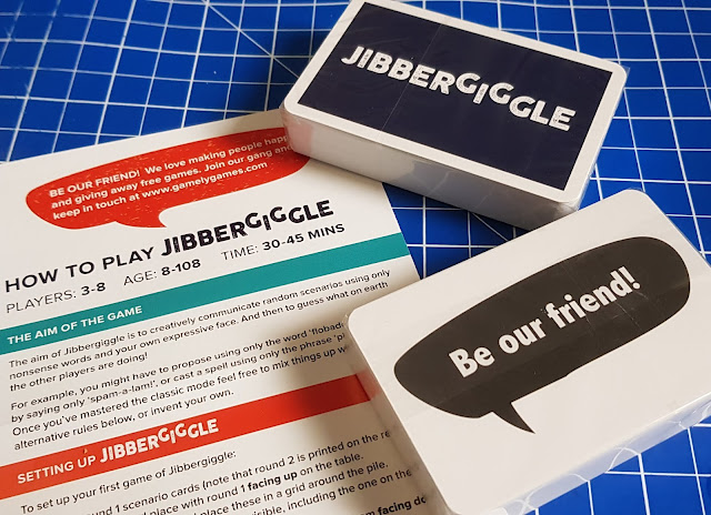 Jibbergiggle family card game box contents