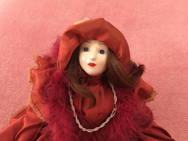 boneca com rostinho de porcelana