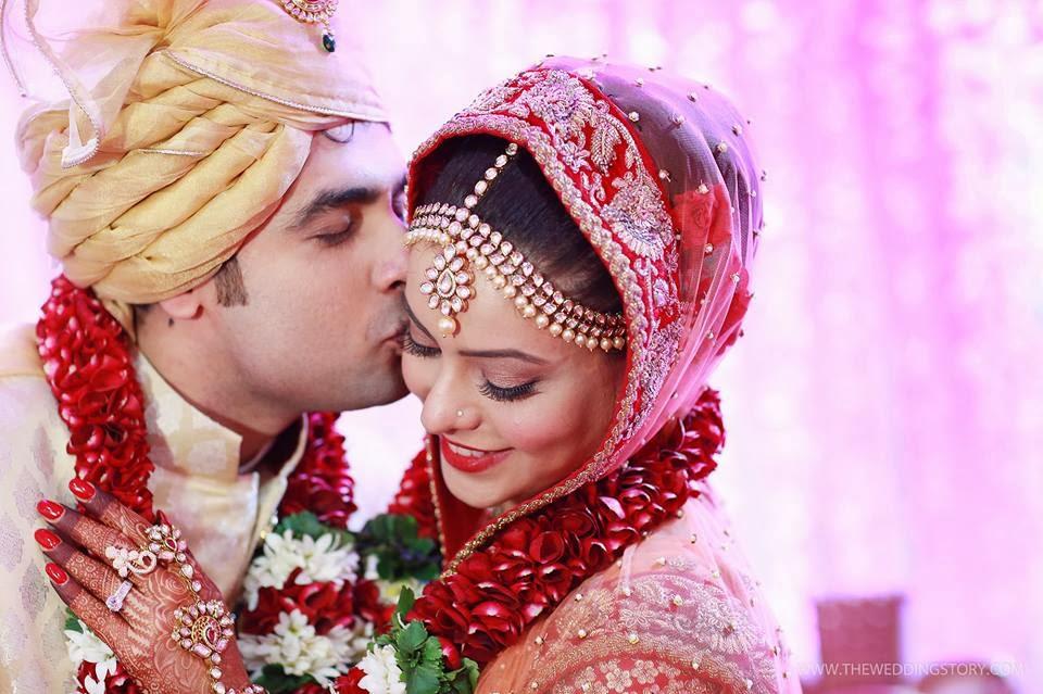 http://1.bp.blogspot.com/-iuvpyf3lOEM/UsGAUxWq84I/AAAAAAAAOdg/D1s5zikqGcU/s1600/tv-actress-aamna-sharif-wedding-photos+(28).jpg Aamna Sharif Wedding
