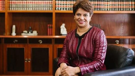 procuradora federal demitida agu advocacia privada