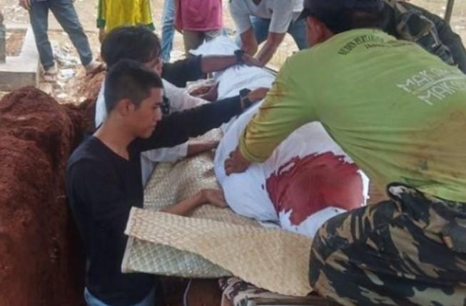 Pendemo DPR Berkafan Darah, Penggali Kubur Bergidik, Keluarga Histeris