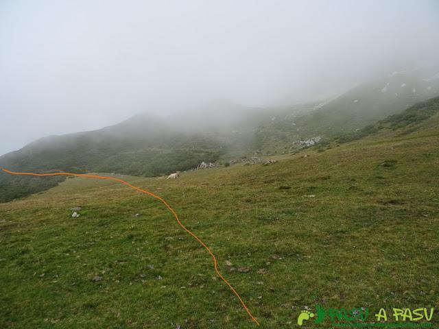 Ruta a Peña Chana: De Murias Chongas al Valle del Lago