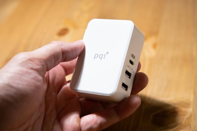 【開箱】靈巧多工一對三 PQI Smart i-Charger PD 41W 充電器 - 以多孔充電器來說,體積算是靈巧不太佔空間