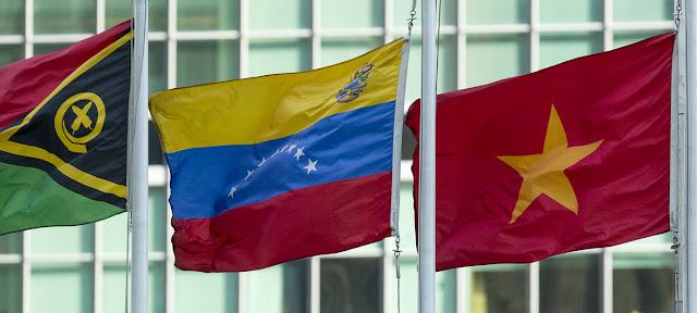 La bandera de Venezuela ondea en la sede de la ONU en Nueva York.ONU/Loey Felipe