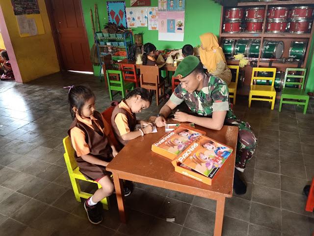 Kedekatan Satgas TMMD Reg Dengan Anak Anak TK Pertiwi Jimbung Klaten
