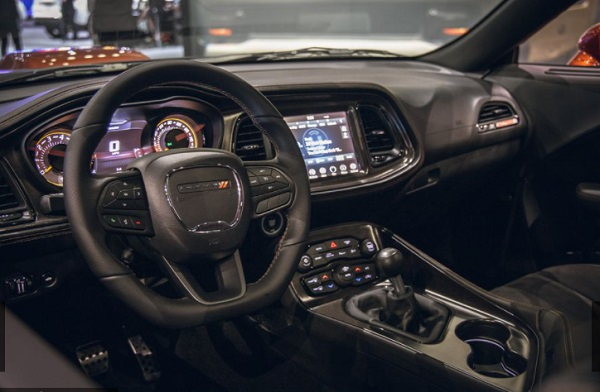 Dashbord Dodge Challenger