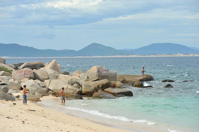 Câu cá biển và cắm trại trên đảo Hòn Nưa