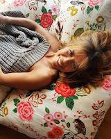 ISabel Silva na cama