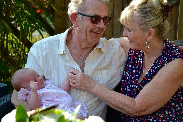 Grandparents Who Babysit Have Less Risk of Developing Alzheimer's