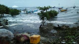 Cerita Saksi Mata Tsunami Banten, Ada Yang Aneh Saat Menjelang Tsunami !