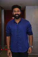 Kollywood Celebrities Pos at Inayathalam Premiere Show .COM 0003.jpg