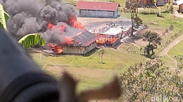 KKB Bakar SD-Puskesmas di Papua, 5 Nakes Terluka-1 Mantri Hilang