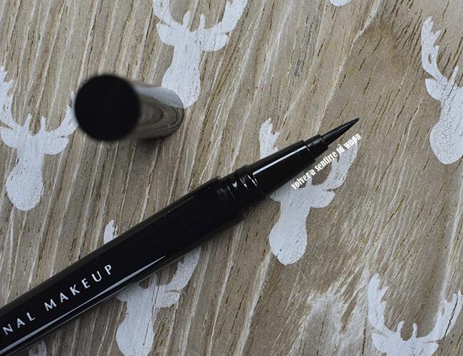 Delineador negro waterproof Epic Ink Liner de Nyx