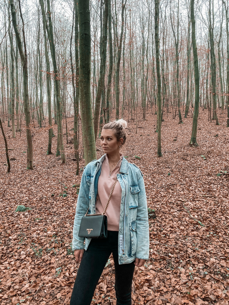 how to style an oversized jeans jacket