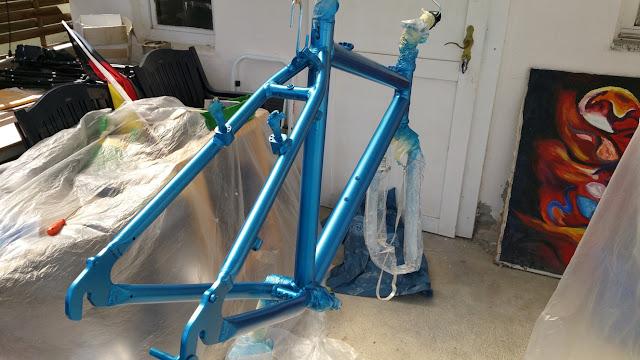 Fahrradrahmen neu lackieren
