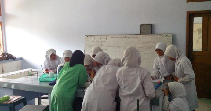 Contoh Tata Tertib Peraturan Praktikum Biologi Di Laboratorium Pintar Biologi