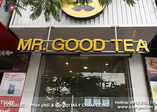 Lắp máy chấm công cửa hàng Mr Good Tea Lạch Tray