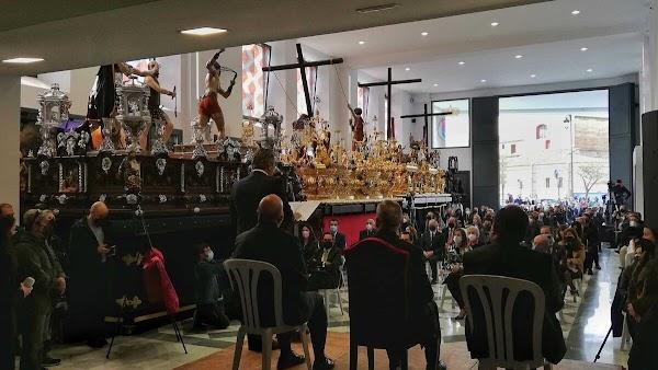 El obispo de Málaga bendice la nueva casa hermandad de Fusionadas