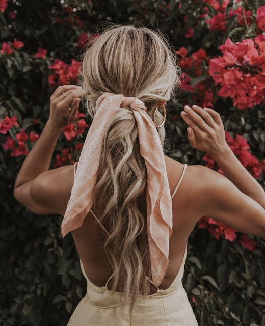 Peinados con pañuelos coleta baja