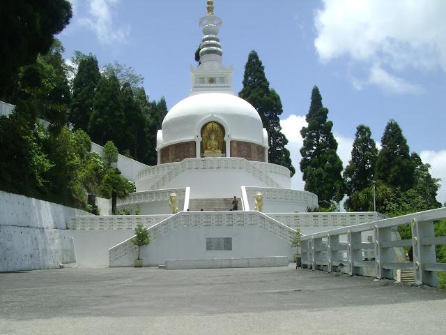 4-Japanese-peace-pagoda
