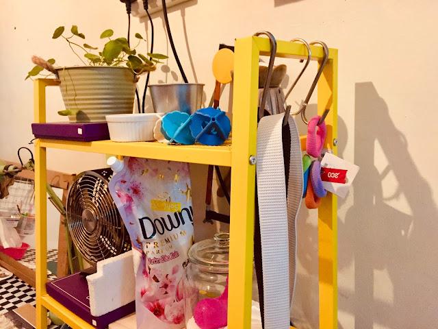Bawah sinki, workstation Faris, dan Laundry Area.