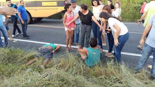 Acidente com ônibus universitário de Ipu e uma moto deixa dois feridos na CE-183