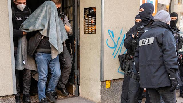 المانيا اعتقال لاجئ سوري طعن معلمه الألماني