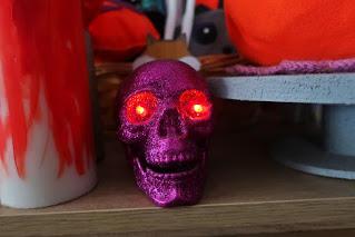 Inspiracje na Halloween czaszka z pepco