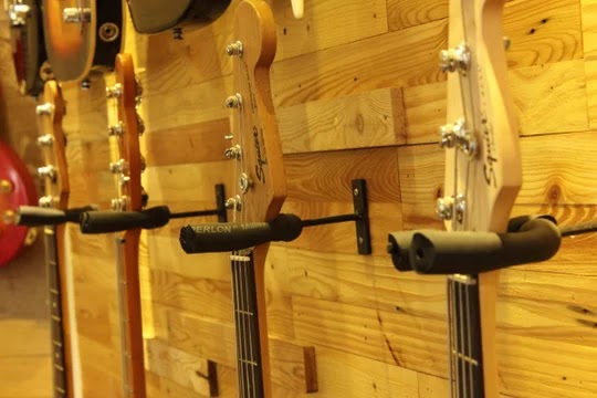4 Cara Mengatasi Neck Gitar Bengkok Agar Kembali Normal Virtual