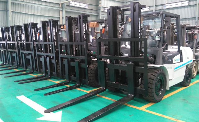 Nissan diesel forklift 4 - 5 tons by Unicarriers