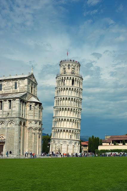najładniejsze ujęcia Krzywej Wieży w Pizie